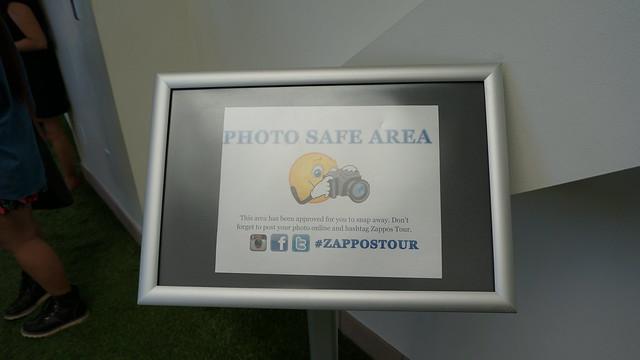 고객정보를 다루는 곳을 제외하고는 대부분의 많은 공간들이 외부인들이 사진 촬영이 가능하다