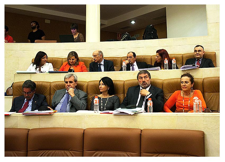 El paro en Torrelavega, los Presupuestos del Estado y Valdecilla, a debate este lunes en el Pleno