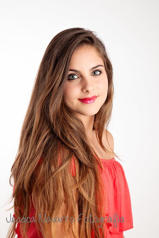 Ana, Reina de El Mirador.jpg