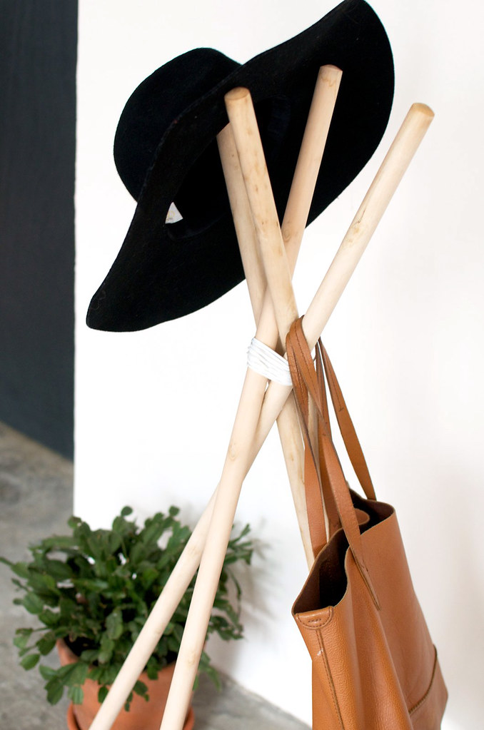 Make a simple wood and leather coat rack www.apairandasparediy.com