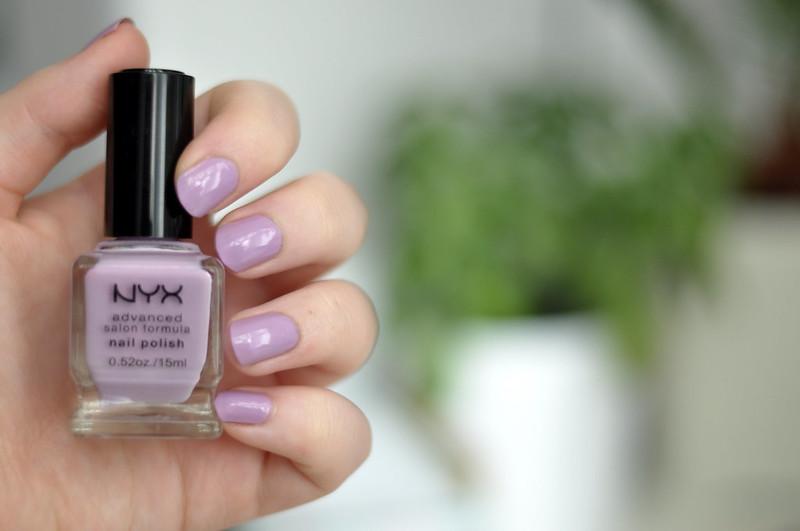 notd nyx pastel lavender nail polish rottenotter rotten otter blog