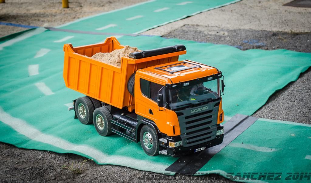 1ª Concentración de Camiones y Maquinaría RC en la Robla - Página 2 15339615757_a364530737_b