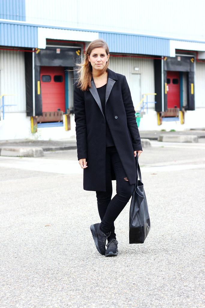 Nike Air Max Thea Zwart Outfit