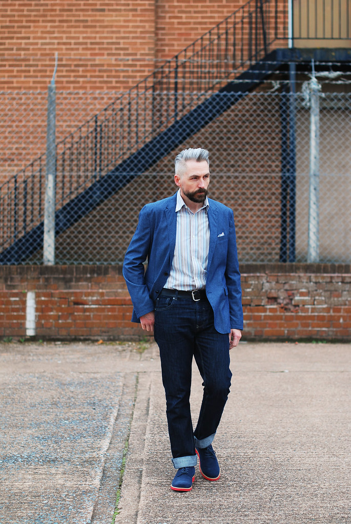 Over 40 menswear: Blue linen blazer, jeans, derby shoes
