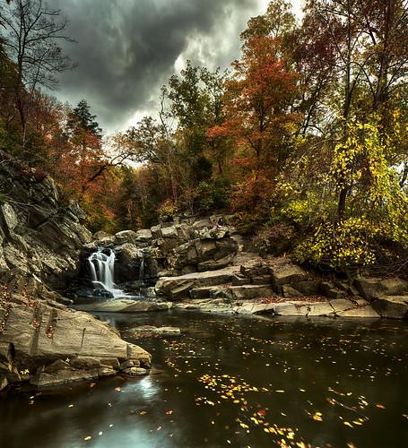 usa fall water virginia waterfall rocks cloudy stormy foliage potomacriver scottsrun cloudsstormssunsetssunrises