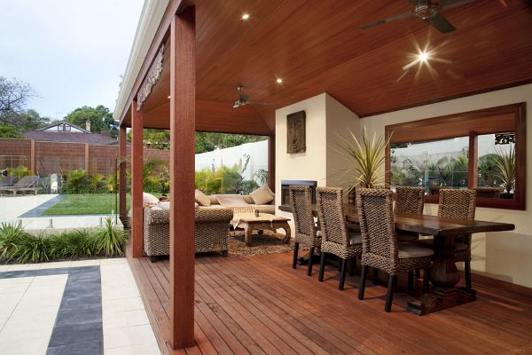 Open-plan areas connected to the garden remain the classic format for outdoor areas