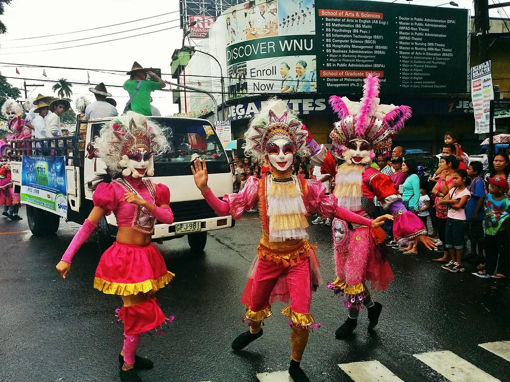 Masskara-festival-2014