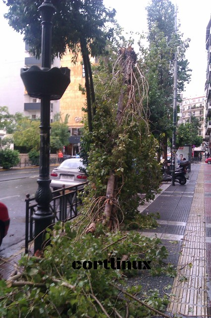 raining in Piraeus 24/10/2014 02
