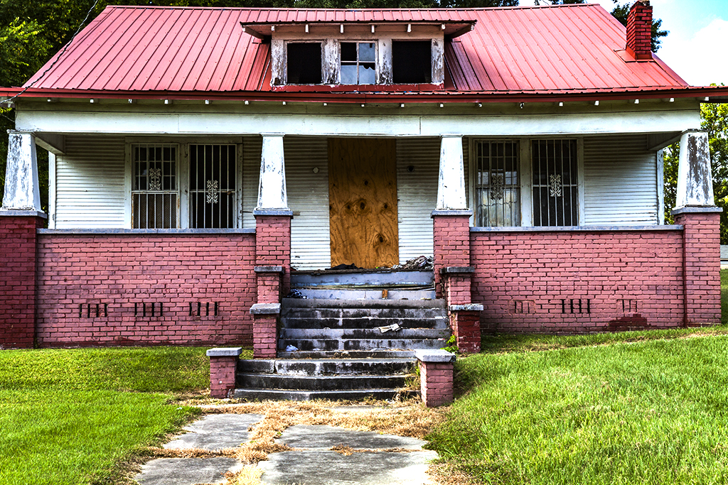 Abandoned-house-on-9-27-14--Jackson-4