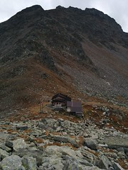 Blick zurück zur Edelrauthütte und Napfspitze