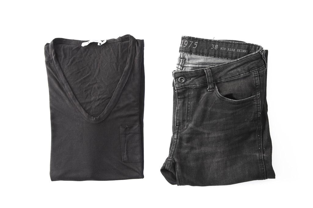 black tee black pants