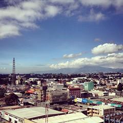 Y así conquista uno el mundo con la corner office! Hehehe  #Guatemala #TorreDelReformador #LatinAmerica #CentralAmerica #America #thirdworldcountryclub