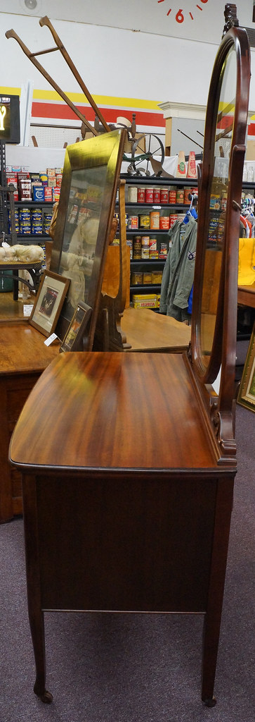 Sold Antique Mahogany Lowboy Dresser With Oval Mirror