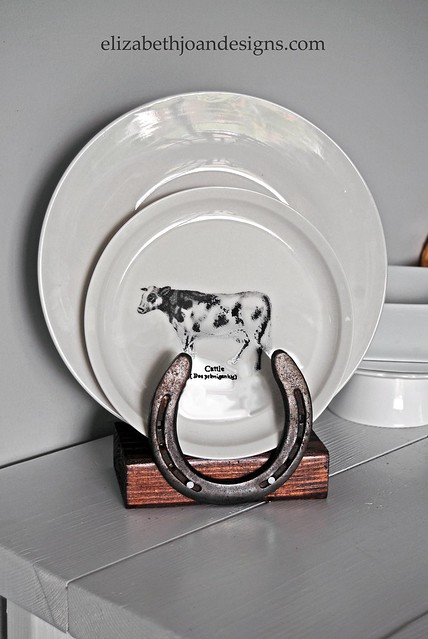 Horseshoe Plate Holder 4