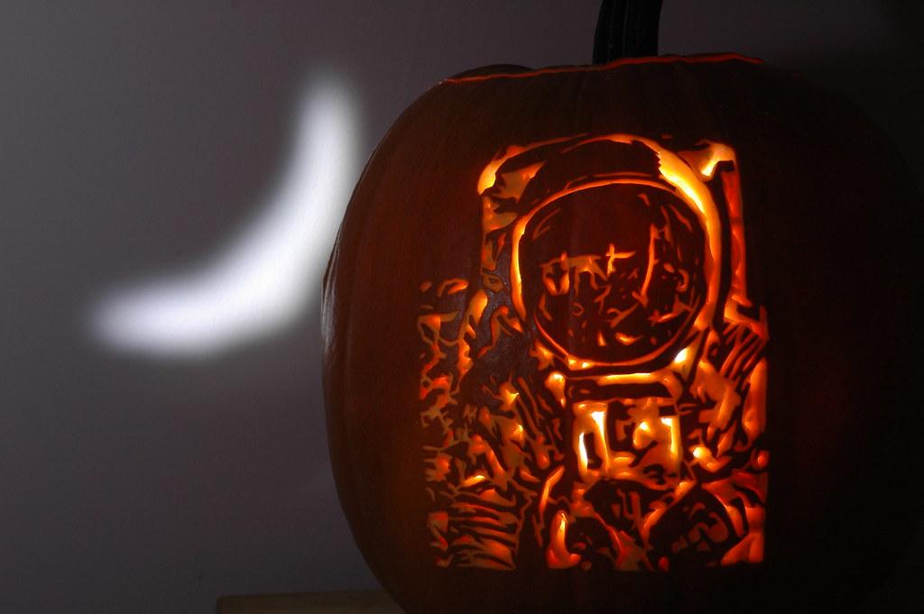 Spaceman pumpkin carving