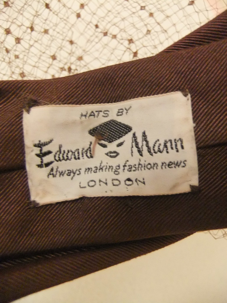 Brown bow hat