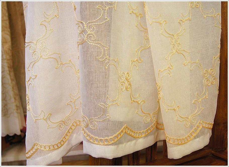 欧式古典方框图样白底金黄色毛线绣花纱