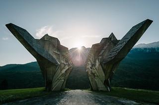 Spomenik Tjentište