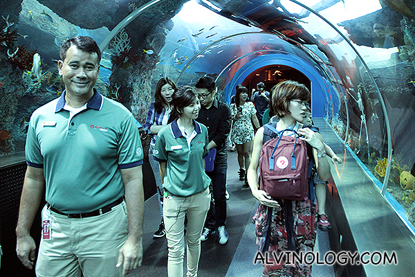 Visiting the S.E.A. Aquarium with their friendly staff
