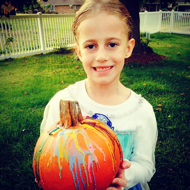 Well, we did it! Our first melted crayon pumpkin! Wasn't as messy as I thought it'd be... 😂🎃👍