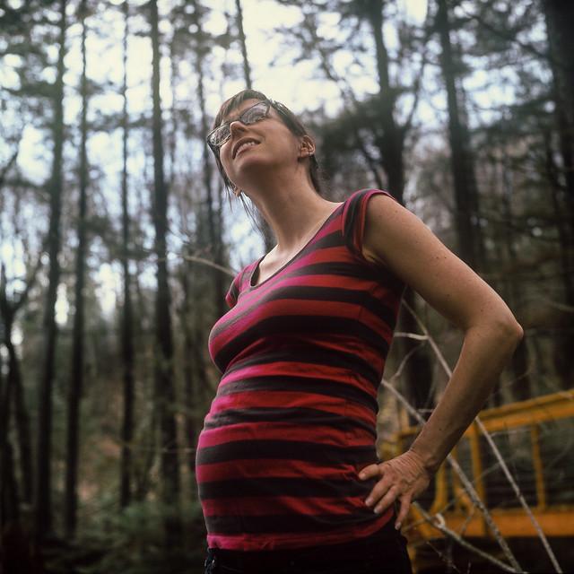 Isa à peine enceinte