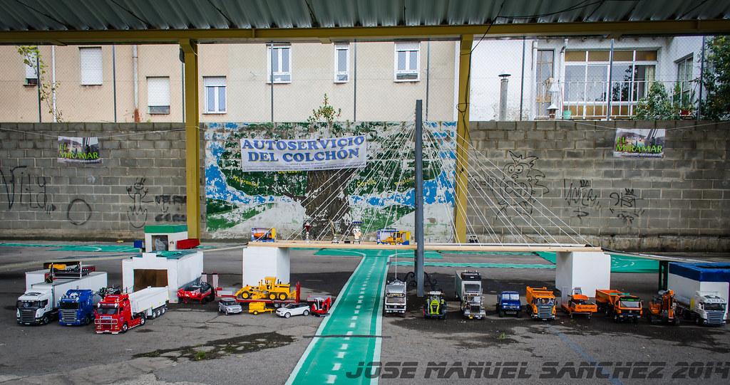 1ª Concentración de Camiones y Maquinaría RC en la Robla - Página 2 15523017661_0d4250b07e_b