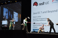 T-Shirt Toss, JavaOne Strategy Keynote, JavaOne 2014 San Francisco