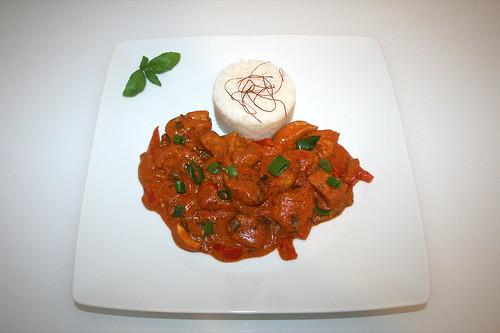 39 - Cardmom chicken in yoghurt sauce - Serviert / Kardamom-Hühnchen in Joghurtsauce - Served