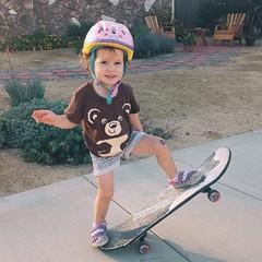 Babygirl #skater #outdoorplaytime #10daysoffloaties #myfloatieskid @floatiesswimschool #babygirl #twoyearsold