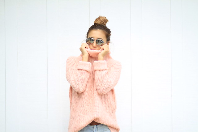 lucky magazine contributor,fashion blogger,lovefashionlivelife,joann doan,style blogger,stylist,what i wore,my style,fashion diaries,outfit,forever 21,f21xme,fall trends,fall fashion,ripped denim,sweater weather,turtlenecks,street style,casual friday,fashion tip