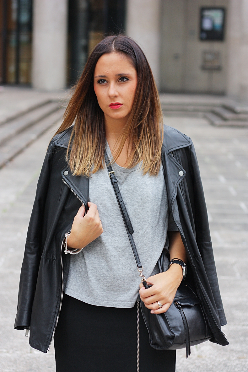 outfit-street_style-biker_jacket-zara_daily-fashion-look_lady_mode-midi_skirt-adidas_superstar-sneakers
