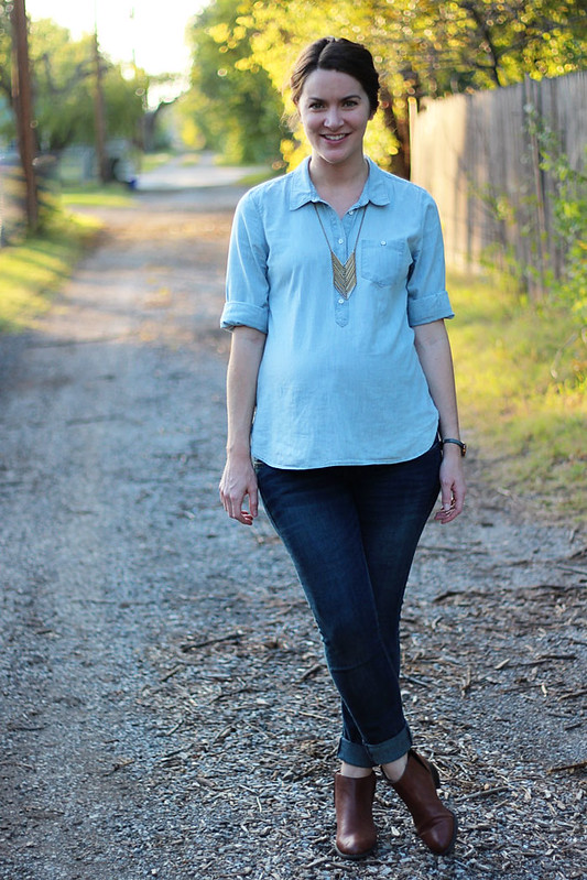 chambray-shirt-with-jeans-maternity-1