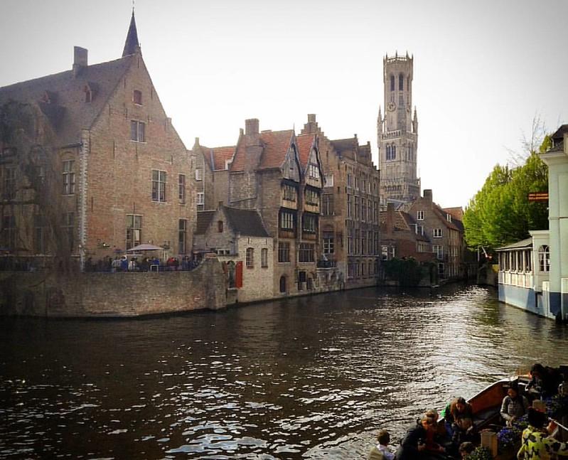 Brujas y sus canales. #brujas #brugge #flandes #belgica