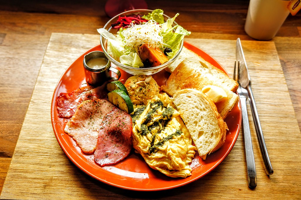 小蘇蘇元氣早餐,看起來好澎湃啊!實際上這頓餐吃完就飽足了...
