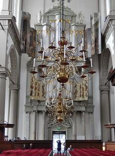 Imagen de Westerkerk cerca de Ámsterdam. church amsterdam candles culture christian organ chandelier candelabra elaborate westerkerk