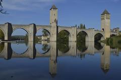 Le Pont Valentré au-dessus du Lot