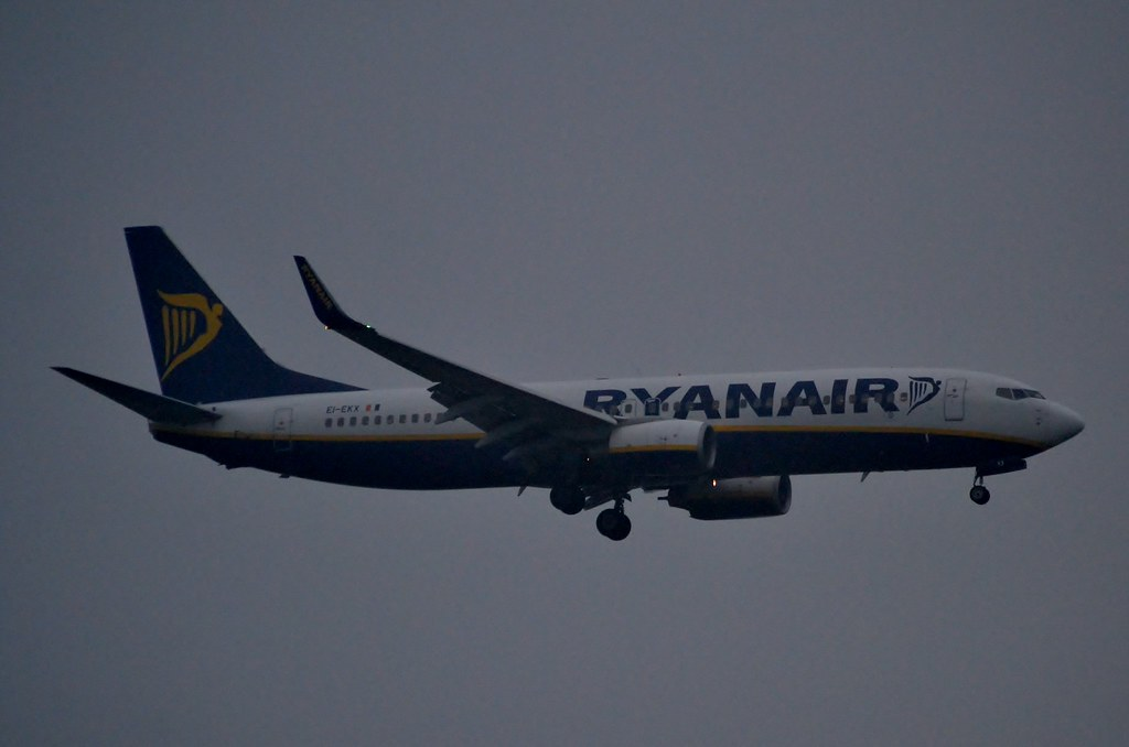 EI-EKX - B738 - Ryanair