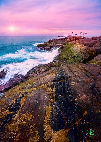 ocean sunset sea beach rocks waves srilanka cz flick crashing hikkaduwa carlzeiss dodanduwa sal1635z cz1635 andreaskrappweis carlzeissvariosonnart281635mm