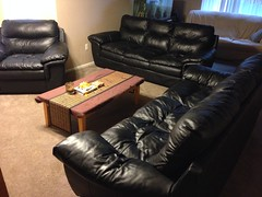 recliner(0.0), loveseat(0.0), furniture(1.0), room(1.0), table(1.0), sofa bed(1.0), living room(1.0), couch(1.0), studio couch(1.0), chair(1.0),