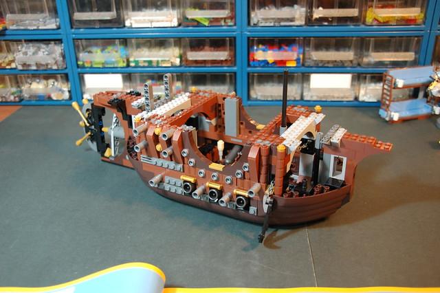 70810 MetalBeard's Sea Cow (15)