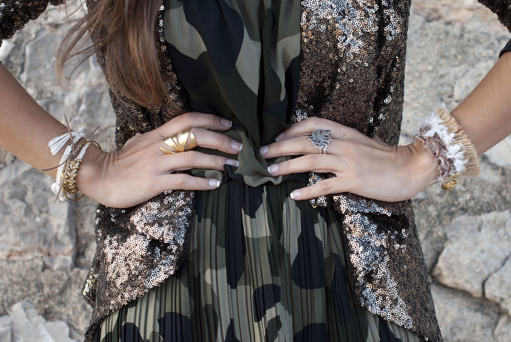 SEQUINS blazer & CAMO dress | theguestgirl 08