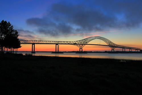 canada sunrise canon bridges québec pont stlaurent mauricie ponts coverbridge laviolette t3r québéc pontlaviolette troisriviéres 5dmarkiii lostworldpics