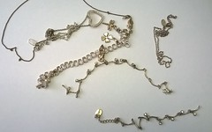 023 – Jewellery recovered in Bilston
