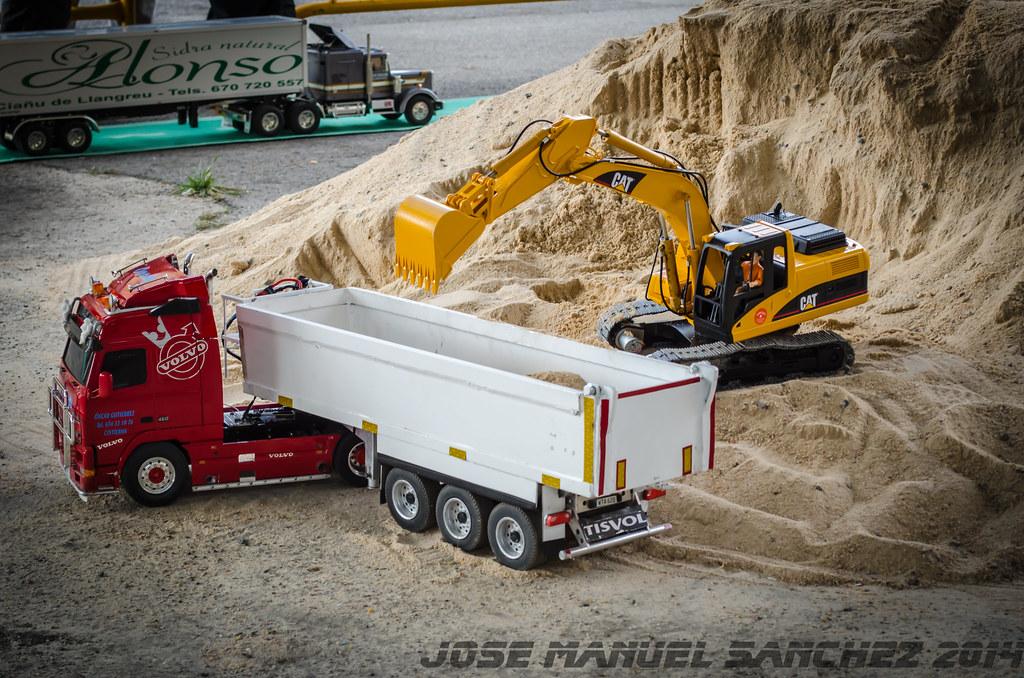 1ª Concentración de Camiones y Maquinaría RC en la Robla - Página 2 15339377719_36787f6b4e_b