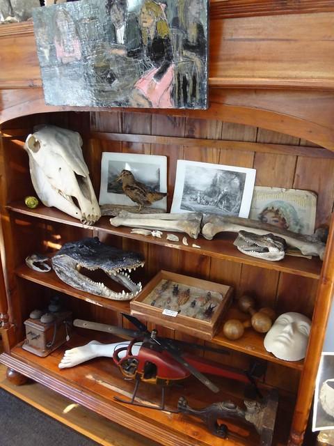Fivehands shelves
