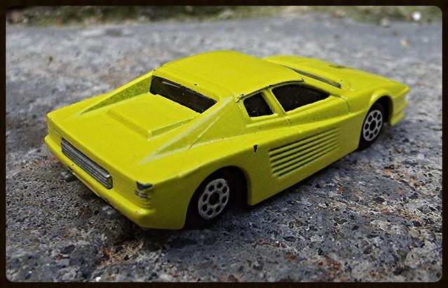 N°211 Ferrari Testarossa. 15388202400_a34d5f47b3_z