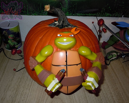 "GEMMY :: Nickelodeon  TEENAGE MUTANT NINJA TURTLES;  ""MICHELANGELO""  PUMPKIN PUSH-IN DECORATING KIT vii  (( 2014 ))"
