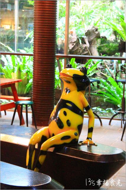 【台中旅遊景點】台中科博館~夜訪國立自然科學博物館「植物園」《13遊記》【台中旅遊景點】台中科博館~夜訪國立自然科學博物館「植物園」《13遊記》