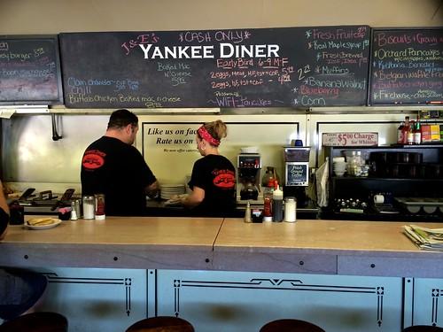 J&E's Yankee Diner Charlton MA Counter