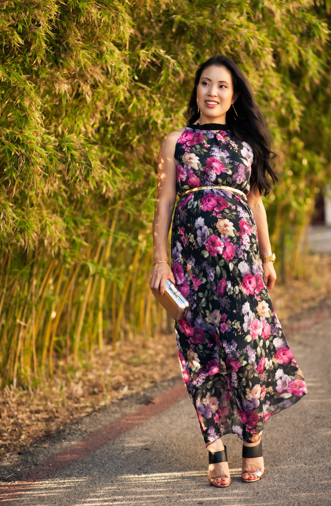 cute & little blog | petite fashion | maternity baby bump pregnant | abaday floral sleeveless pleated maxi, gold skinny belt, gold black sandal pumps | third trimester 27 weeks